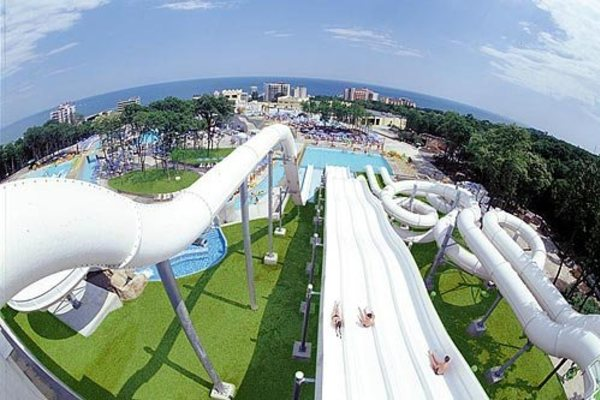 Акваполис аквапарк в Болгарии