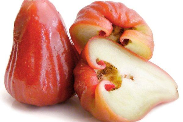 Розовое яблоко