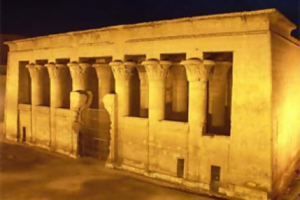 Храм Эсна