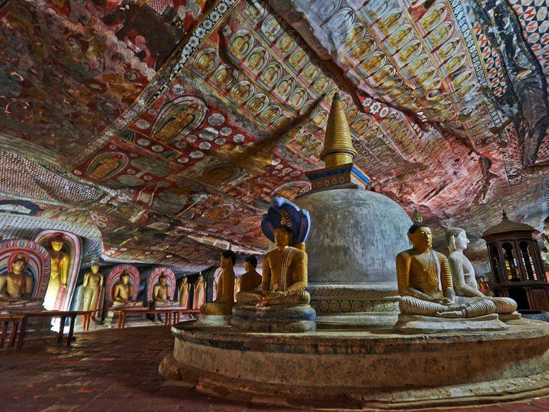 Храм Дамбулла внутри