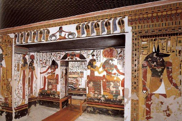 Долина царей и цариц в Египте