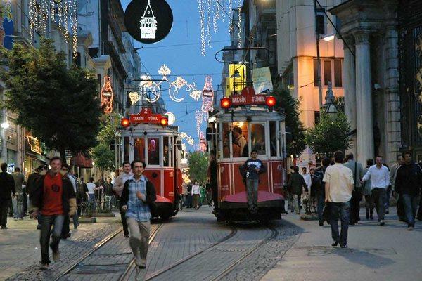 Istiklal Caddesi улица в Стамбуле