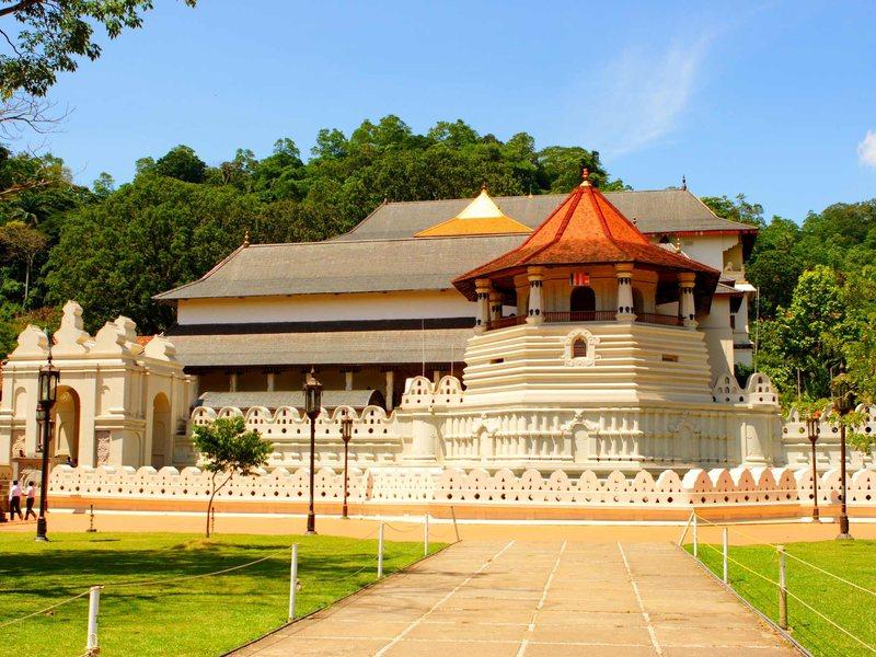 Храм Священного Зуба Будды в Канди