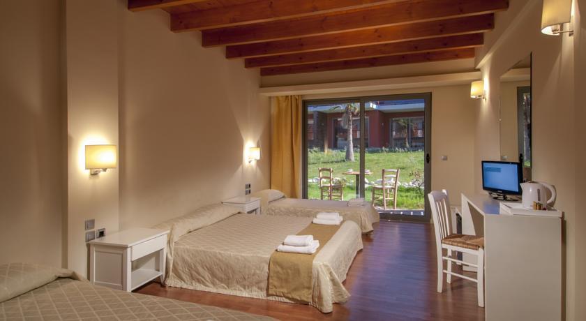 Hotels, bungalows Novara