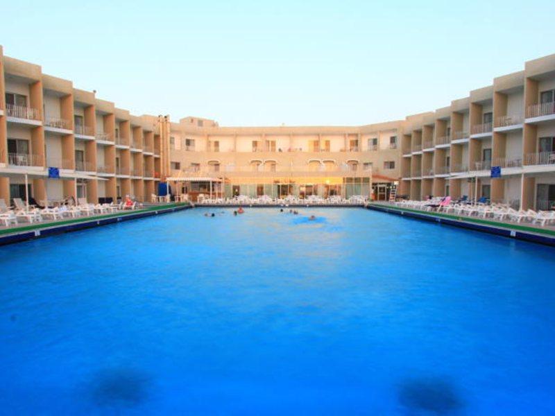 Beach Hotel Sharjah 45502