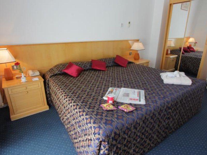 Beach Hotel Sharjah 45510