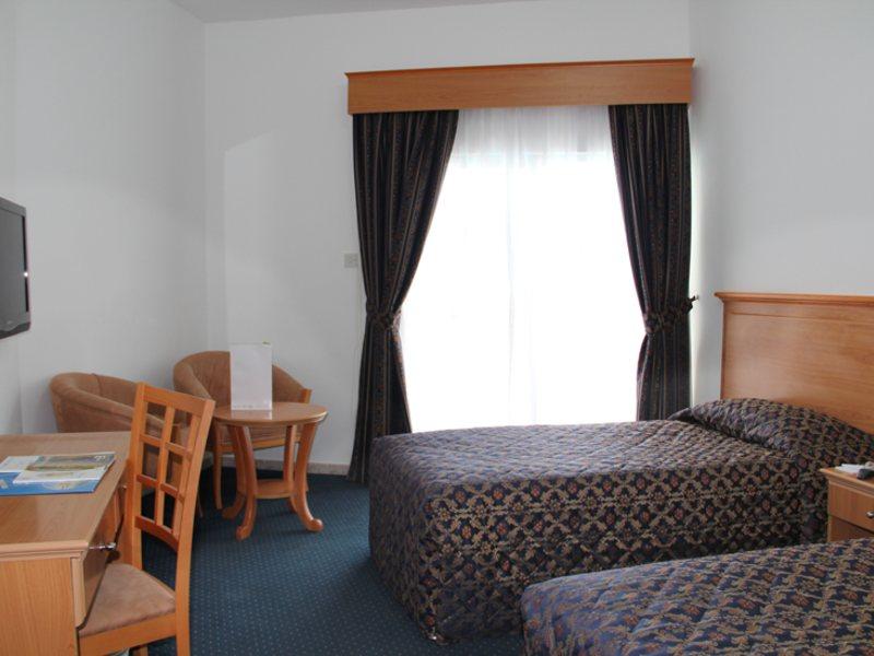 Beach Hotel Sharjah 45513