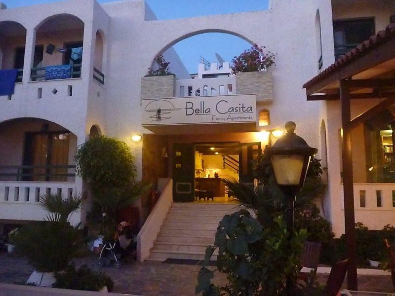 Bella Casita Family Apartments 100668