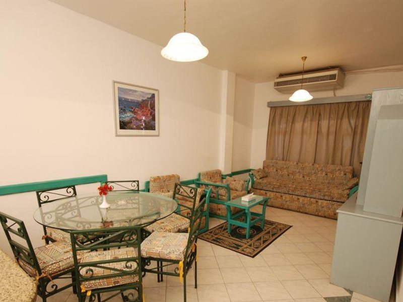 Dive Inn Resort  36480