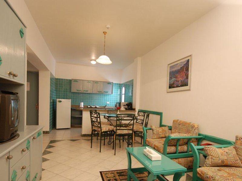 Dive Inn Resort  36483