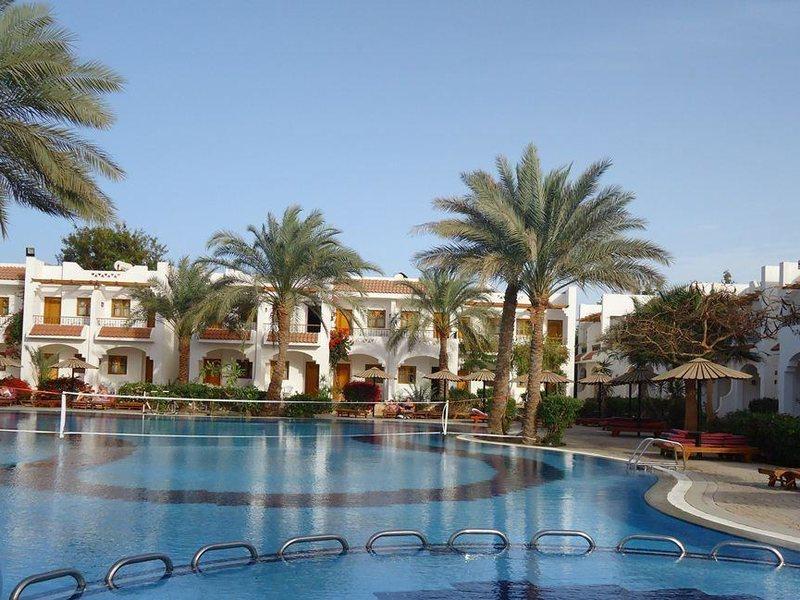 Dive Inn Resort  36485