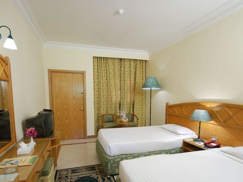 Dive Inn Resort  36489