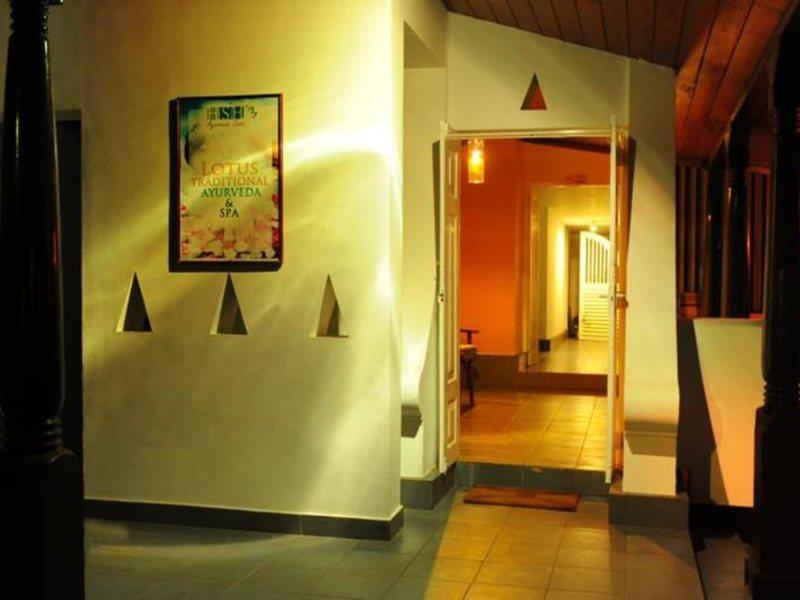 Golden Star Beach Hotel  107560