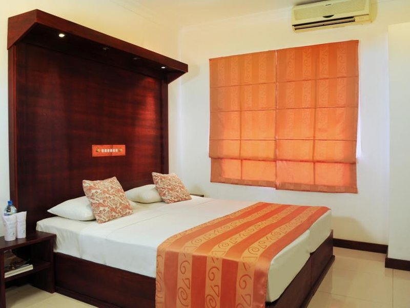 Golden Star Beach Hotel  107566