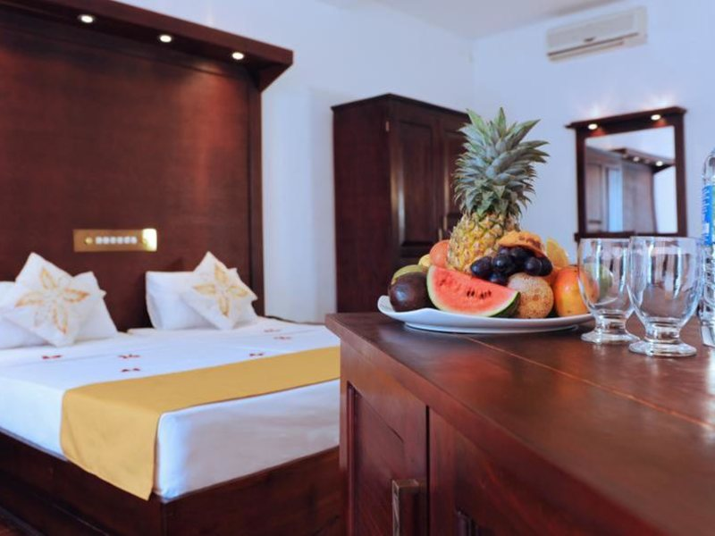 Golden Star Beach Hotel  107567