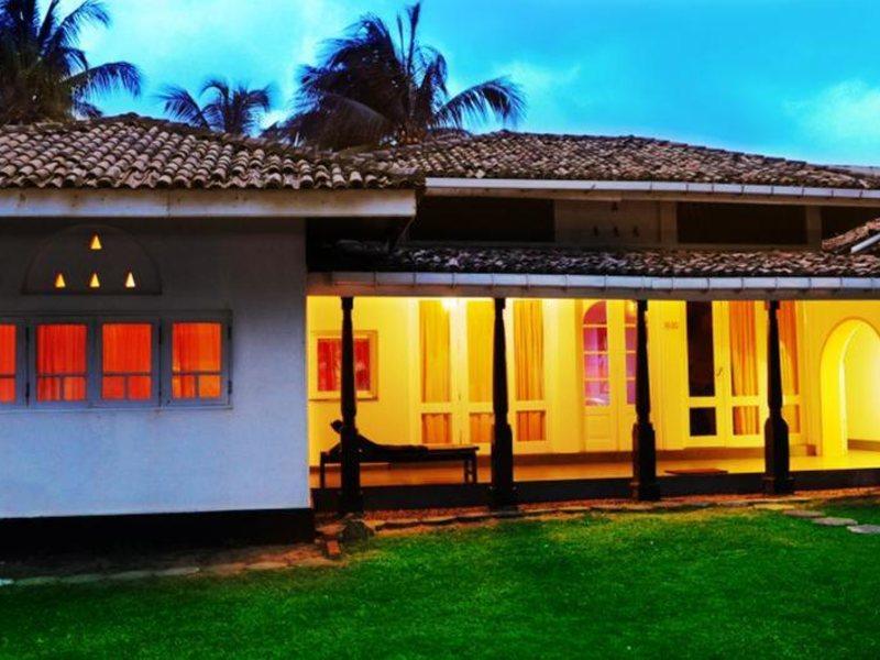 Golden Star Beach Hotel  107568
