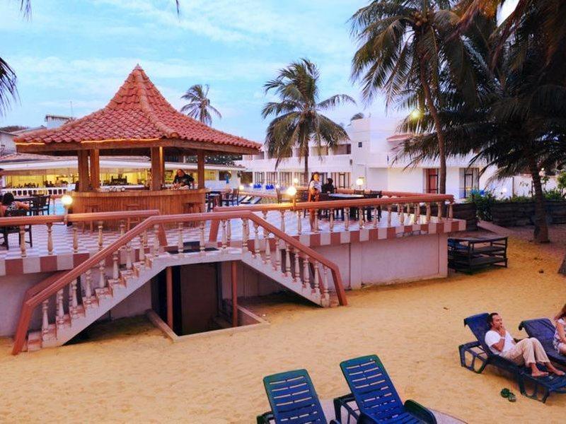 Golden Star Beach Hotel  107569