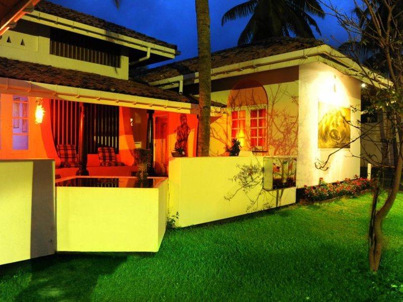 Golden Star Beach Hotel  107570