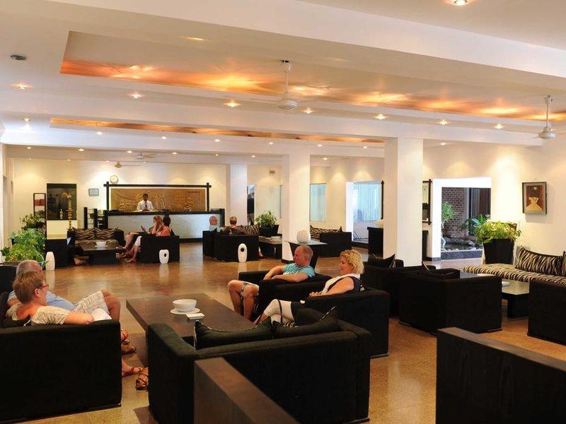 Golden Star Beach Hotel  107575