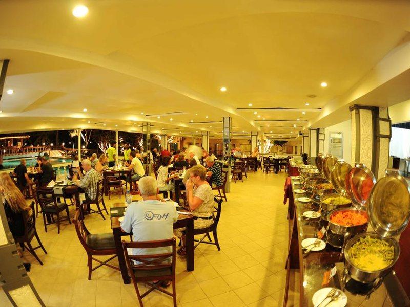 Golden Star Beach Hotel  107577