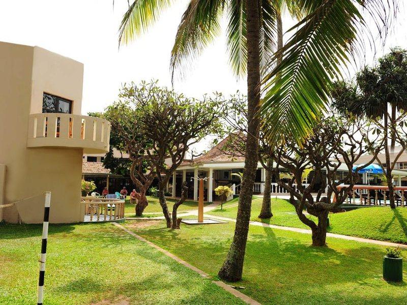 Golden Star Beach Hotel  107578