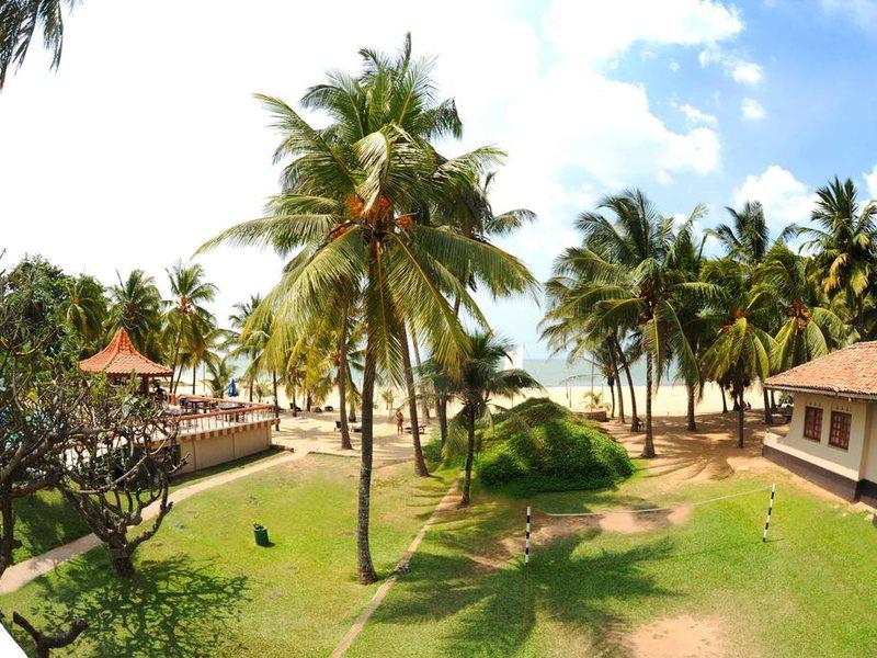 Golden Star Beach Hotel  107581