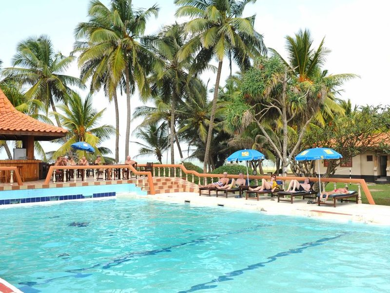 Golden Star Beach Hotel  107585