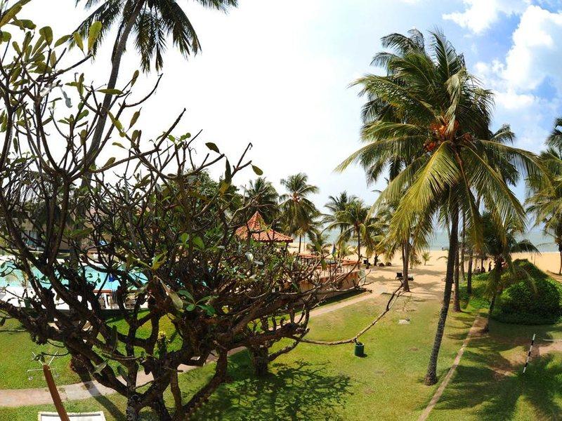 Golden Star Beach Hotel  107587