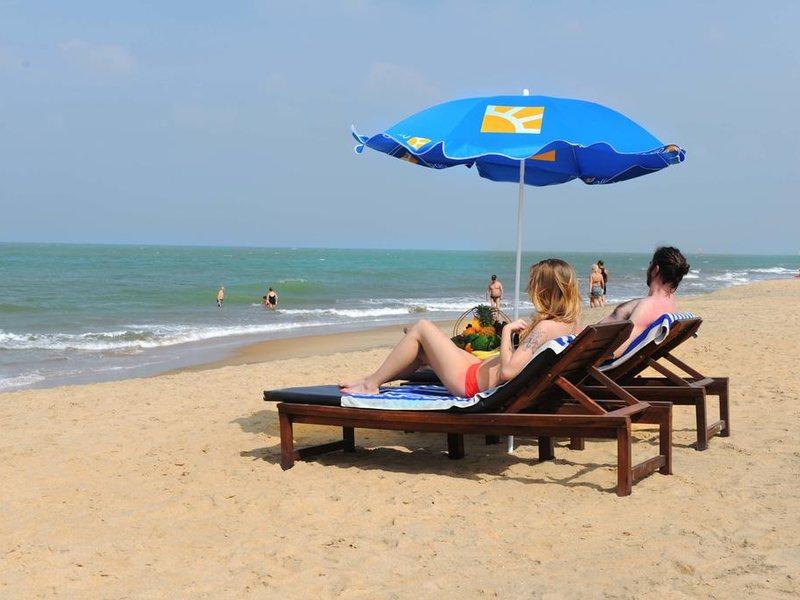 Golden Star Beach Hotel  107588