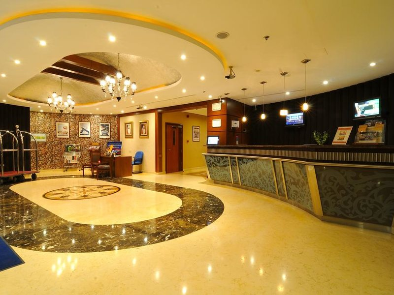 Golden Tulip Al Barsha 275394