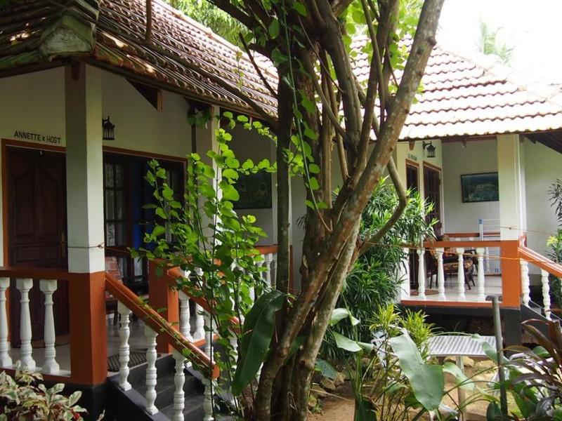 Hotel Flower Garden 107812