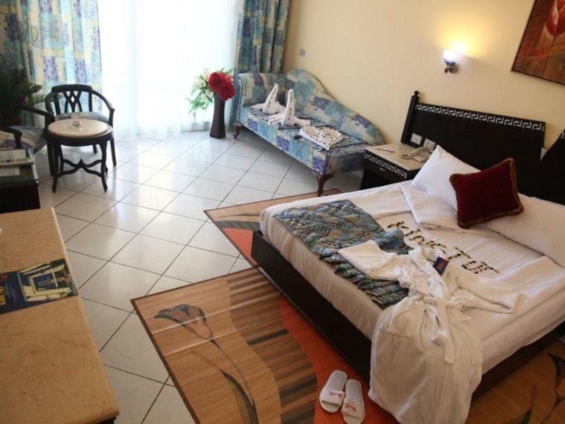 King Tut Aqua Park Beach Resort  125553