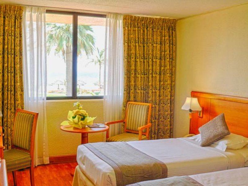Lou Lou A Beach Resort 118027