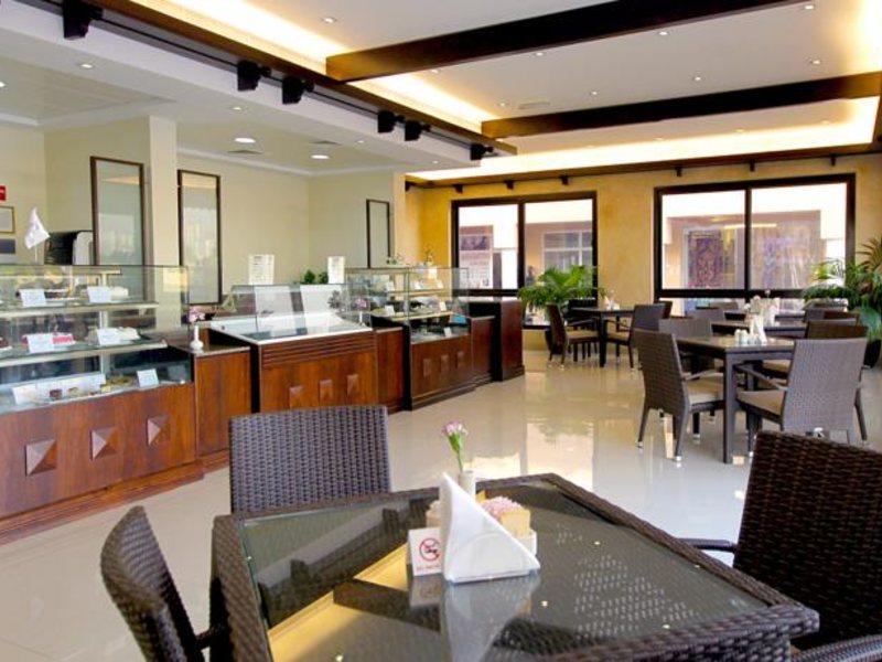 Lou Lou A Beach Resort 118030