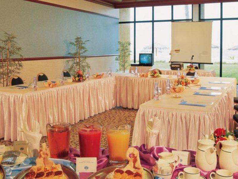 Lou Lou A Beach Resort 118031