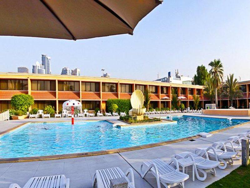 Lou Lou A Beach Resort 118033