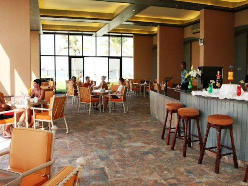 Lou Lou A Beach Resort 118040