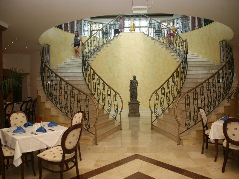 Marina Royal Palace 174643