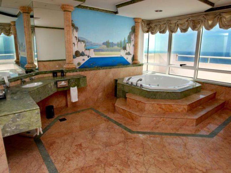 Ramada Beach Hotel Ajman 53800