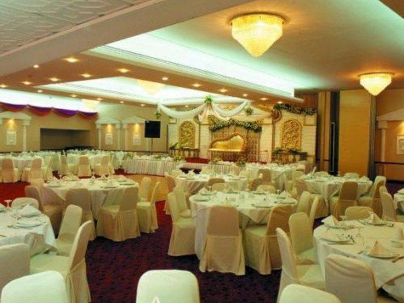 Sharjah Grand Hotel (ex 46603